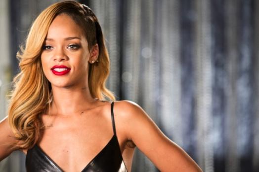 I-capelli-lunghi-di-Rihanna_image_ini_620x465_downonly