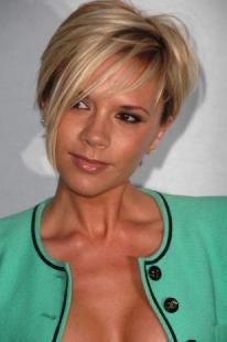 Il-pixie-platino-di-Victoria-Beckham_image_ini_620x465_downonly