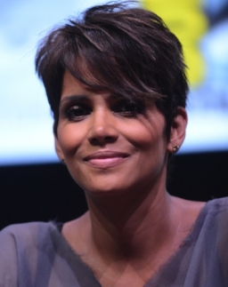 Il-pixie-scalato-di-Halle-Berry_image_ini_620x465_downonly