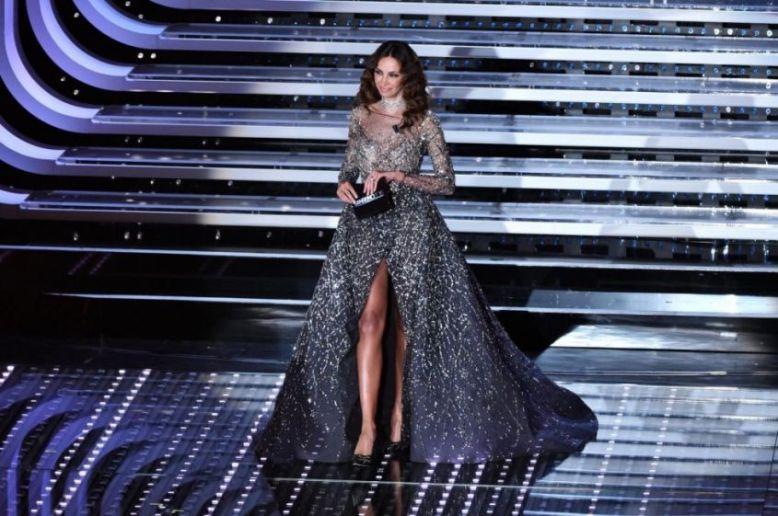 Look-Madalina-Ghenea-sul-palco