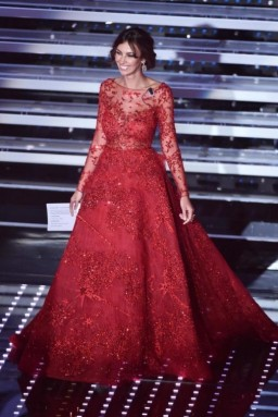 madalina-ghenea-in-rosso